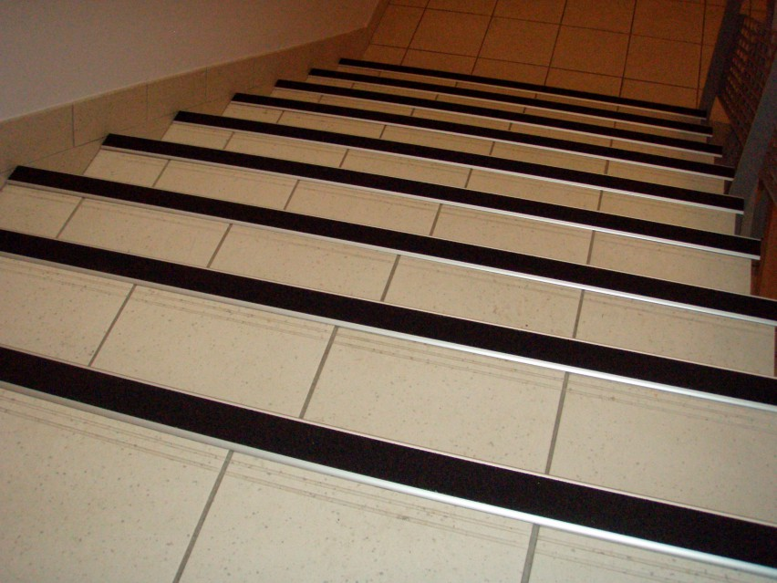 Carrelage escalier antid rapant for Marche interieur